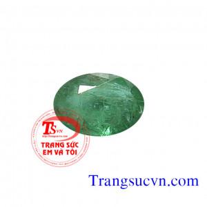 Emerald nhạt màu