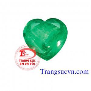 Emerald trái tim tự nhiên