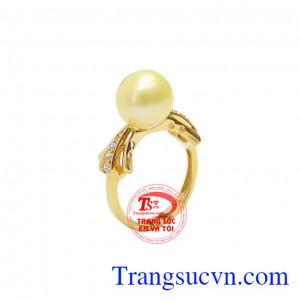 Nhẫn nữ ngọc trai vàng độc đáo