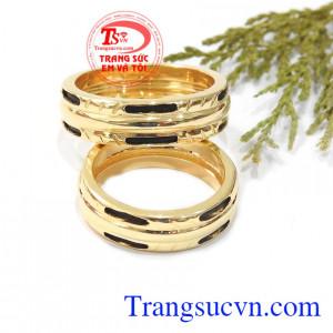 Nhẫn cưới vàng son sắt gắn kết tình yêu