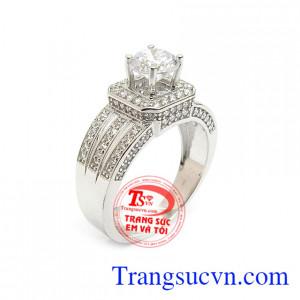 Nhẫn Nữ Vàng Trắng Phong Cách đính đá độc đáo, mới lạ, tôn lên sự cá tính, nhẹ nhàng và quý phái cho người đeo