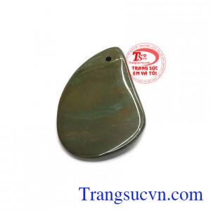 Mặt dây canxedon sang trọng có thể kết hợp cùng dây da, dây cao su hoặc bọc vàng, bạc để đảm bảo độ bền đẹp cho sản phẩm.