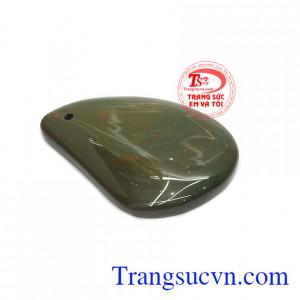 Đá canxedon được biết đến là loại đá giúp cải thiện tinh thần, xua tan nỗi buồn và tạo hứng khởi cho người dùng.