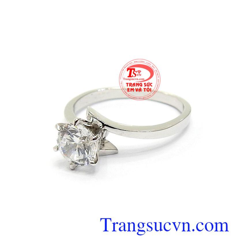Nhẫn nữ đính đá sang trọng, cá tính