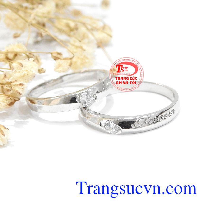 Đôi nhẫn cưới forever mang ý nghĩa sẽ mãi mãi yêu và chỉ yêu một người càng làm tăng phần ý nghĩa cho sản phẩm này.