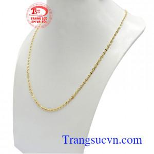 Dây chuyền vàng dễ dàng kết hợp với nhiều mặt dây chuyền khác nhau
