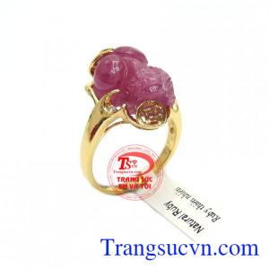 Nhẫn ruby tỳ hưu tài lộc