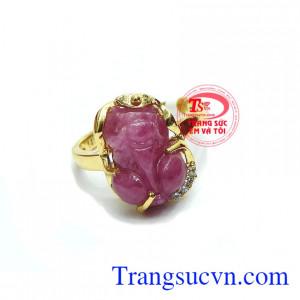 Nhẫn tỳ hưu ruby hưng thịnh là sản phẩm đá ruby, có giấy chứng nhận đá thiên nhiên