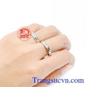 Sản phẩm bảo hành uy tín, giao hàng toàn quốc.  Đôi nhẫn cưới forever mang ý nghĩa sẽ mãi mãi yêu và chỉ yêu một người càng làm tăng phần ý nghĩa cho sản phẩm này.