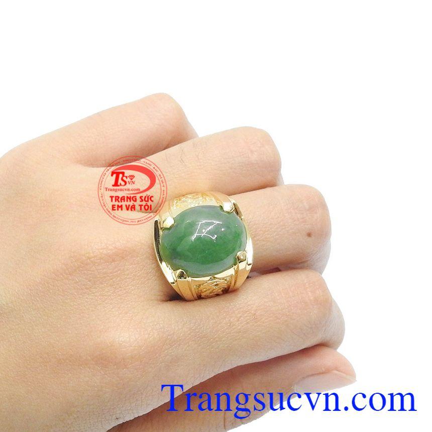 Ngọc cẩm thạch thiên nhiên thích hợp với nhiều độ tuổi.