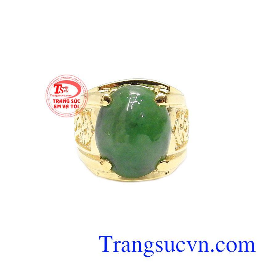 Nhẫn vàng 14k Jadeite thiên nhiên được thiết kế sang trọng và mạnh mẽ.