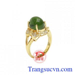 Nhẫn nữ nephrite quý phái