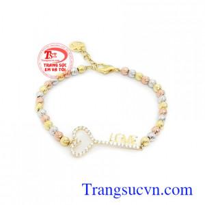 Lắc tay vàng 10k chìa khóa tình yêu kiểu dáng sang trọng, tinh xảo và quý phái