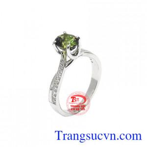 Nhẫn nữ Saphir kiêu sa