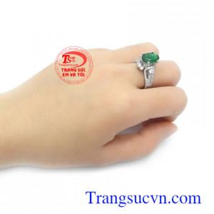 Nhẫn nữ đá quý vàng trắng 14k bền đẹp, sang trọng