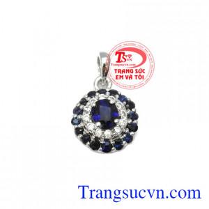 Mặt dây sapphire quý tộc