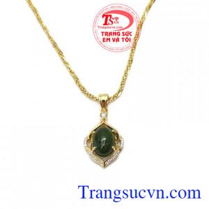 Ngọc nephrite thiên nhiên tốt cho sức khỏe, may mắn cho người đeo