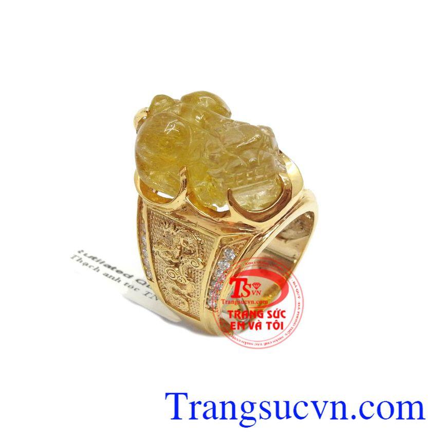 Tỳ hưu có tác dụng giúp hút tài lộc về bởi thức ăn của tỳ hưu là vàng bạc, châu báu, giữ tài lộc lại mà không cho thoát ra ngoài bởi cái bụng lớn của mình và không có hậu môn