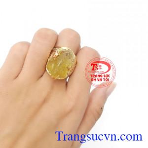 Nhẫn nam tỳ hưu vàng màu tinh tế gắn tỳ hưu đá thiên nhiên, mang lại may mắn, chiêu tài lộc, phú quý.