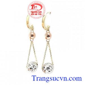 Hoa tai vàng tây thời trang là sản phẩm hoa tai vàng tây được nhập khẩu từ Hàn Quốc