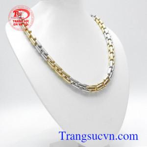 Dây chuyền vàng Italy 18k đẳng cấp mang lại phong cách riêng, phù hợp thời trang phái mạnh, là món quà tặng ý nghĩa cho người yêu thương