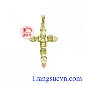 Mặt dây thánh giá peridot phong cách