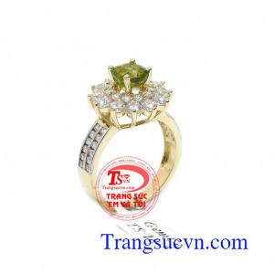 Nhẫn nữ peridot quý phái