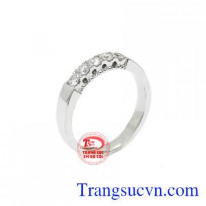 Nhẫn nữ kim cương vàng 14k đẹp