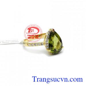 Nhẫn nữ peridot may mắn, giao hàng nhanh trên toàn quốc