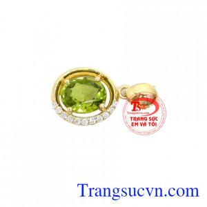 Mặt dây vàng gắn đá tự nhiên, chất lượng vàng đảm đeo bền đẹp sáng bóng, tinh tế và sang trọng dành cho phái đẹp