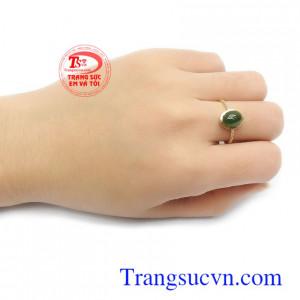 Nhẫn nữ Nephrite là món quà ý nghĩa cho người yêu thương