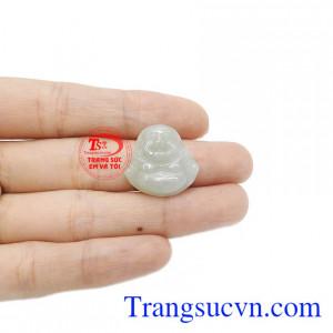 Ngọc cẩm thạch mang đến sự may mắn và thịnh vượng cho người dùng.