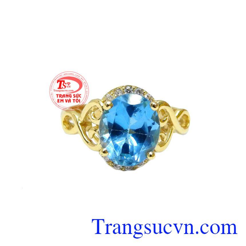 Nhẫn nữ topaz đẹp 14k được chế tác từ vàng 14k sáng bóng kết hợp cùng đá topaz thiên nhiên hợp phong thủy.