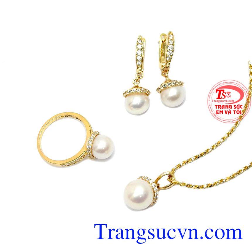 Ngọc trai là biểu tượng của tinh hoa về vẻ đẹp Á Đông với nét dịu dàng, thanh lịch của phụ nữ