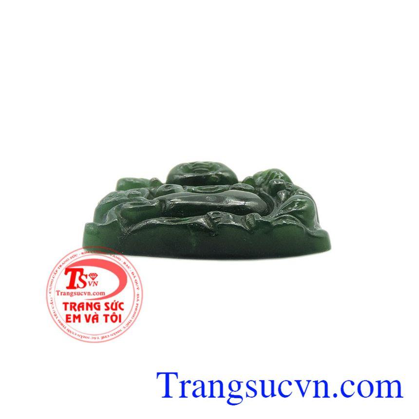 Mặt Phật Di Lặc Nephrite được dùng làm mặt dây chuyền.