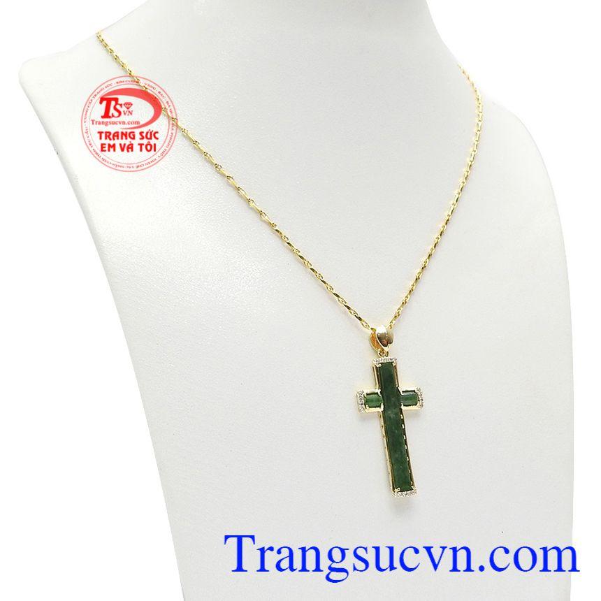 Bộ trang sức thánh giá cẩm thạch sang trọng được kết hợp từ ngọc cẩm thạch thiên nhiên và vàng tây bền đẹp.
