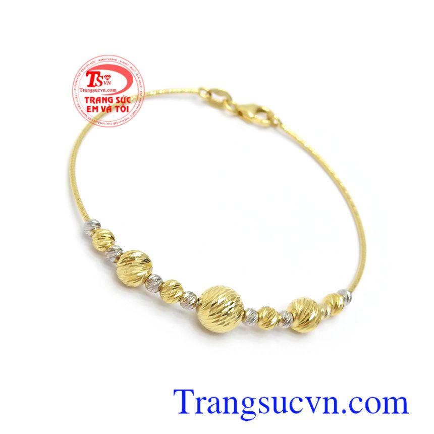 Lắc tay vàng 10k duyên dáng tôn lên sự sang trọng, dịu dàng và thời trang cho phái đẹp, là món quà ý nghĩa dành tặng người bạn yêu thương