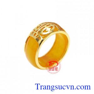 Nhẫn cẩm thạch chữ thọ vàng