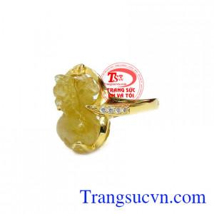 Tỳ hưu thạch anh vàng có đặc điểm miệng rộng, mông to, tỳ hưu ăn vàng bạc châu bác