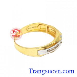 Sản phẩm kết hợp vàng màu, vàng trắng và đá Cz.