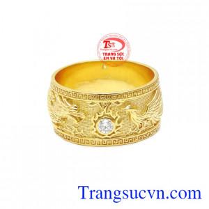 Rồng và phượng tượng trưng cho vua và hoàng hậu, sự kết hợp này mang đến sự may mắn và hạnh phúc.