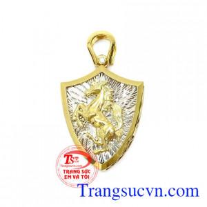 Mặt dây Mã Đáo Thành Công là sản phẩm mặt dây chuyền vàng tây đẹp được thiết kế 3D sang trọng, lịch lãm