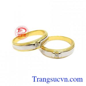 Nhẫn cưới hạnh phúc tràn đầy