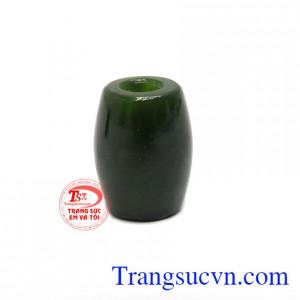 Lu Thống Nephrite Thịnh Vượng là sản phẩm lu thống đẹp được chế tác từ ngọc cẩm thạch thiên nhiên
