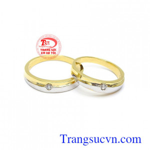 Nhẫn cưới vàng tình yêu son sắc vàng 18k chế tác công nghệ cao, đường nét tinh xảo, sang trọng và sắc nét