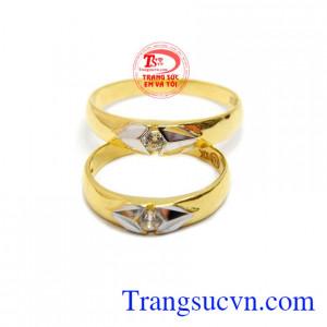 Với đôi nhẫn cưới này sẽ khiến cho tình yêu của hai bạn ngày một bền chặt, và luôn bên nhau đến cuối đời.