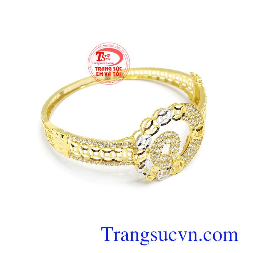 Vòng tay kim tiền với những đồng tiền xếp sát nhau mang ý nghĩa may mắn, tài lộc, tiền tài cho người đeo