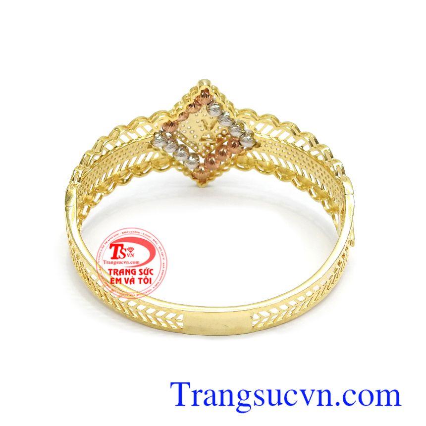 Vòng tay vàng tây tôn lên nét quý phái, đẳng cấp. thời thượng cho phái đẹp