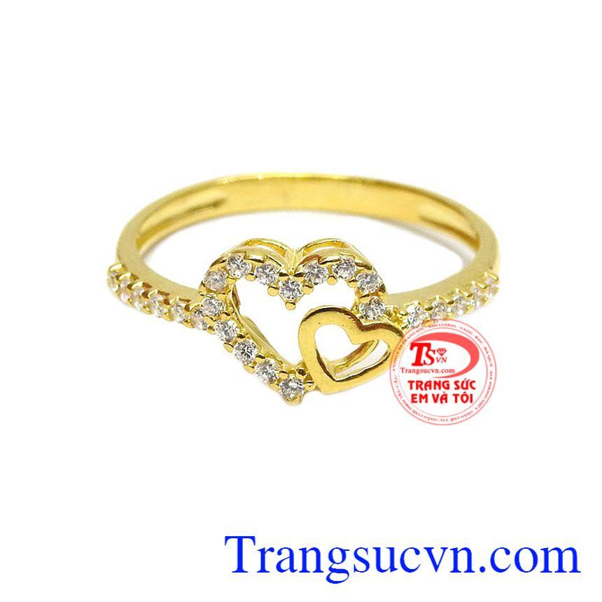 Với thiết kế tinh xảo và đẹp mắt từ vàng 10k đảm bảo chất lượng, sản phẩm làm tôn lên vẻ nữ tính cho người sử dụng