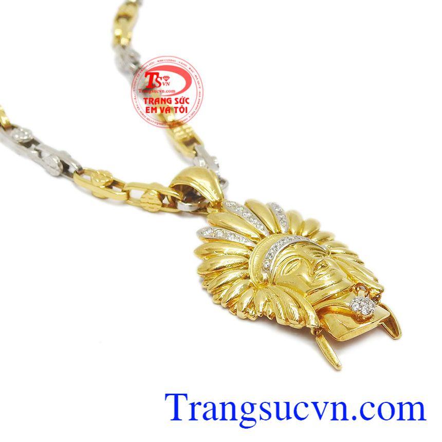 Trang sức vàng thể hiện đẳng cấp, sáng bóng và bền đẹp.